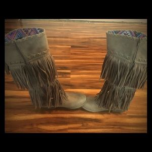 Justice fringed boots. NWOT. Size 6.